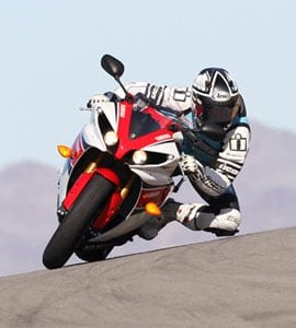 Yamaha R1 Action