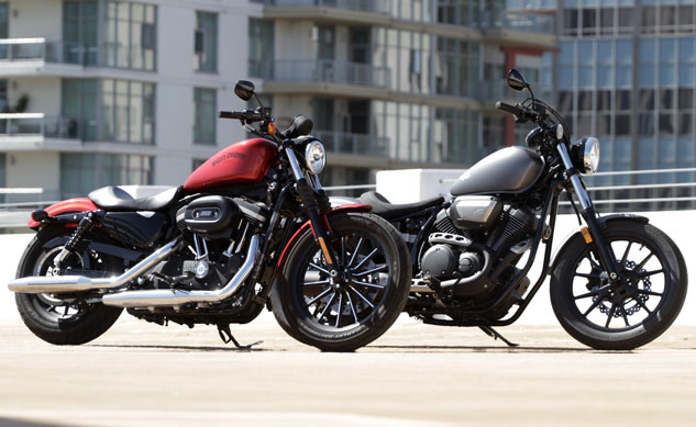 Harley-Davidson 883 Iron and Star Bolt