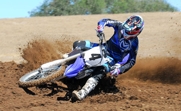 2014 Yamaha YZ450F Action Cornering