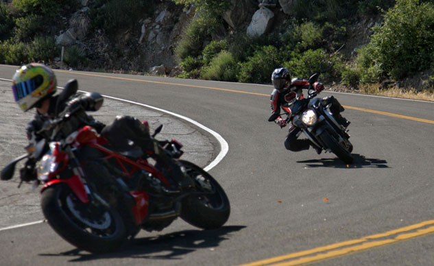 2013 Ducati 848 Streetfighter vs. MV Agusta Brutale 800 Action Cornering