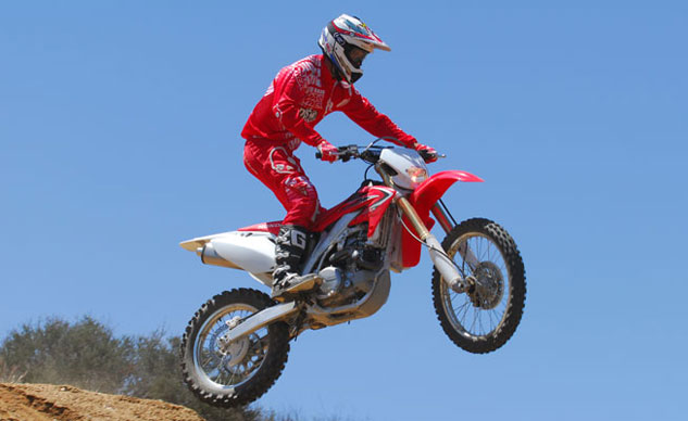 2013-Honda-CRF450X-Action-15