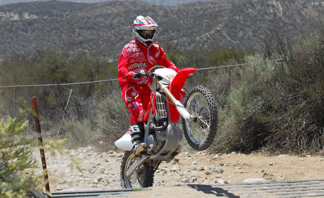 2013-Honda-CRF450X-Action-16
