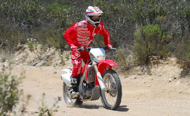 2013-Honda-CRF450X-Action-17