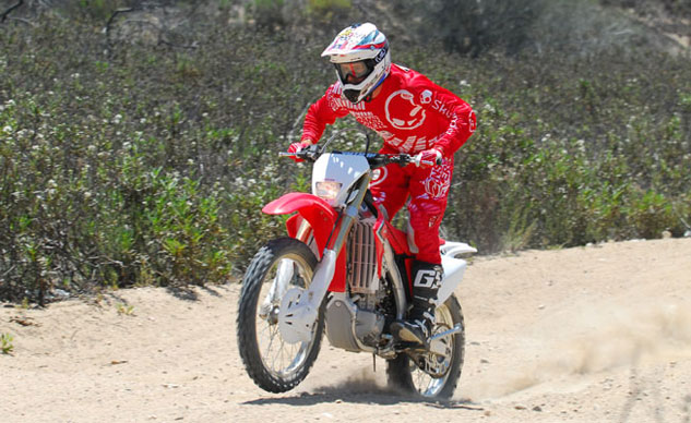 2013-Honda-CRF450X-Action-18