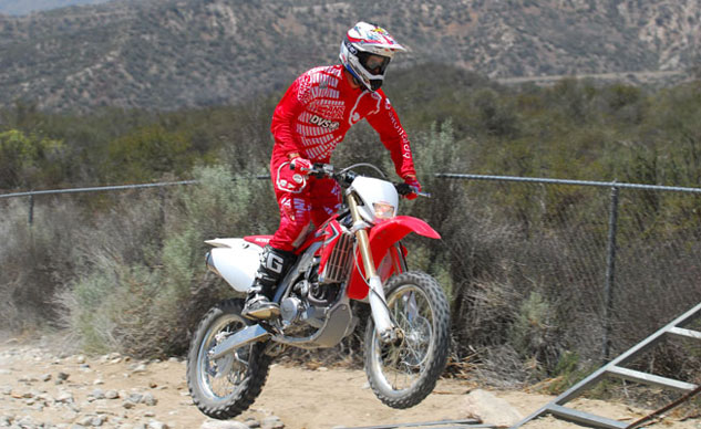 2013-Honda-CRF450X-Action-19
