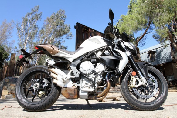 2013-mv-agusta-brutale-675-right-IMG_0865