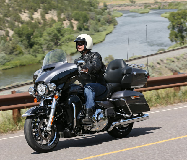 motorcycle com] - 2014 Harley-Davidson Touring Motorcycles Review