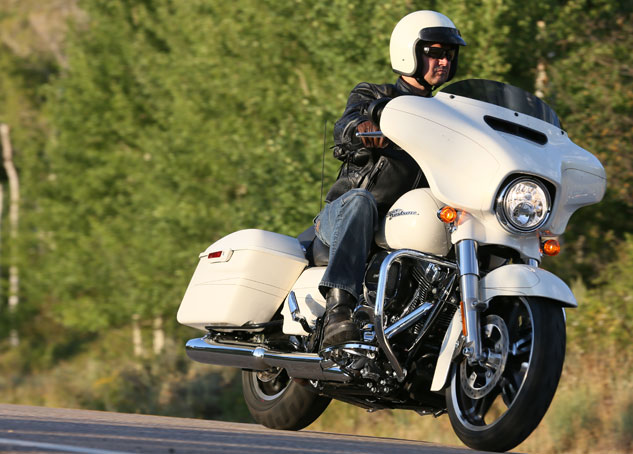 Difference Between Street Glide And Road Glide >> [motorcycle.com] - 2014 Harley-Davidson Touring ...