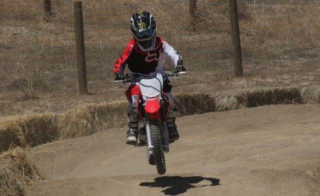 2014-honda-crf125f-action-513I0257