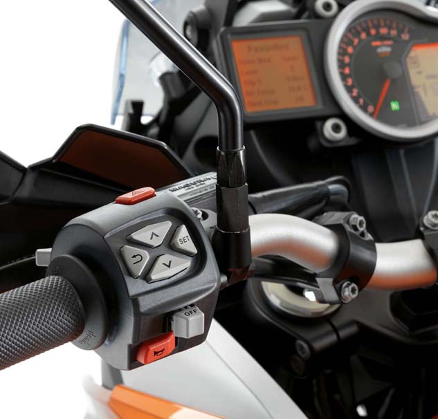 Operating the mode switch is easily grasped – one of the more intuitive handlebar-mounted mode switches we've encountered (did KTM hire some Apple employees?).