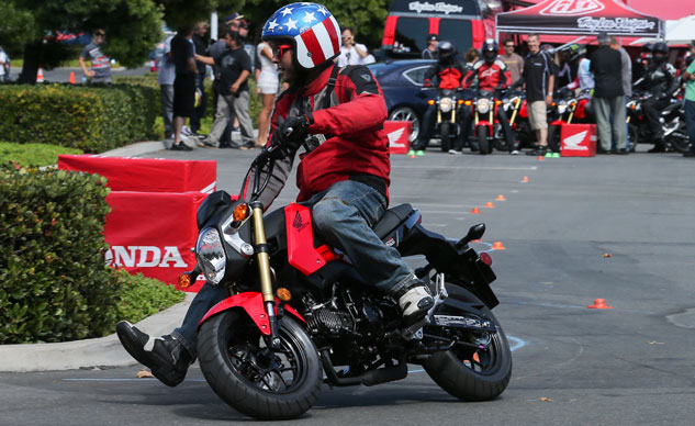 2014 Honda Grom Action Cornering