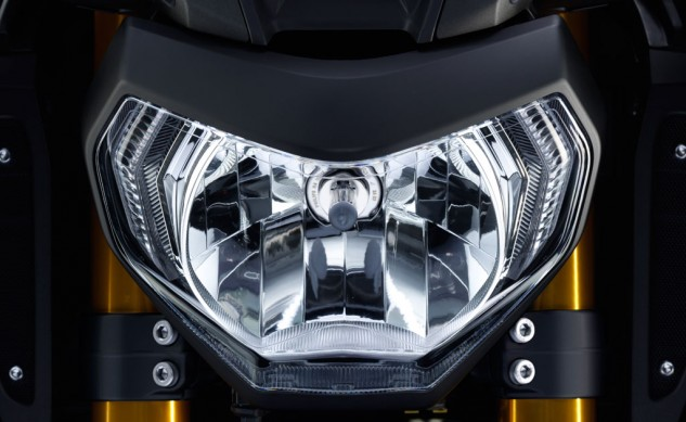 2014-Yamaha-FZ-09-Headlight