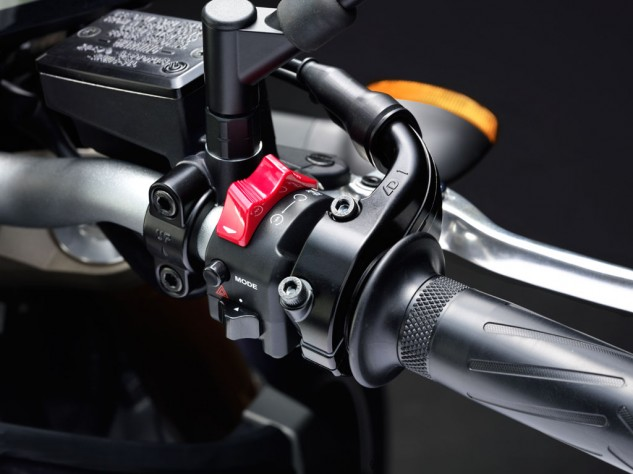 2014 Yamaha FZ-09 Switchgear
