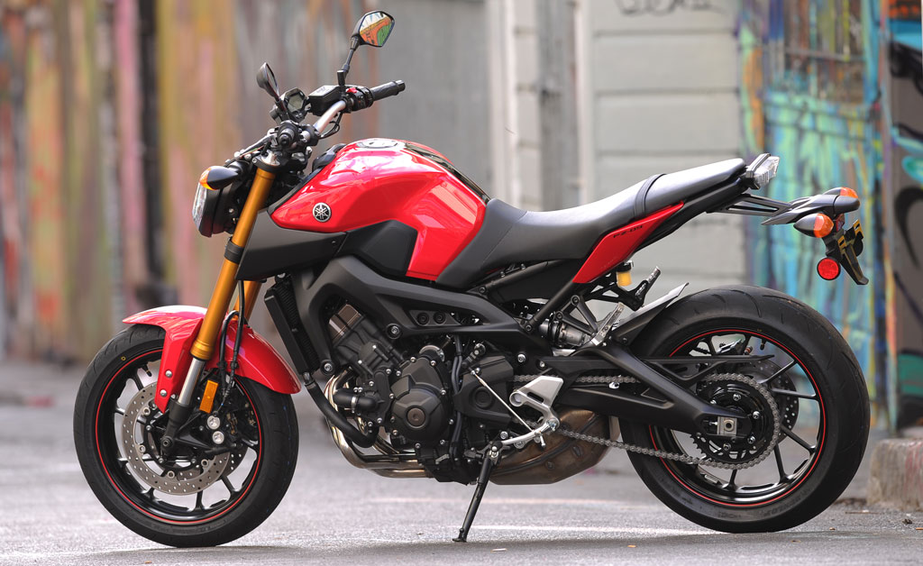 2014 yamaha fz 09 review
