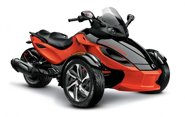 2014-cam-am-spyder-roadster-RS-S_3-4 Red_14