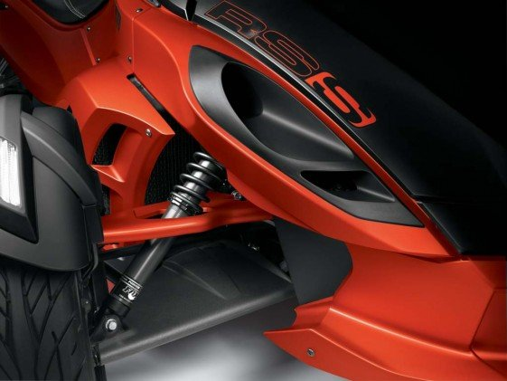 All Spyders will have upgraded suspension components for 2014. The RT and ST models receive new Sachs components with larger pistons and stiffer springs, while the sportier RS and RS-S models will use Fox Shox.