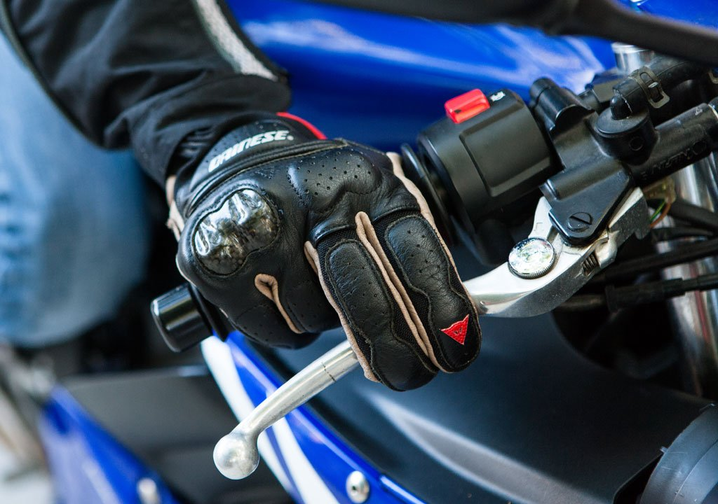 Automatic Transmission Motorcycle >> Downshifting Techniques Brake Pressure - Motorcycle.com
