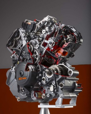 101813-2014-ktm-1290-superduke-r-engine