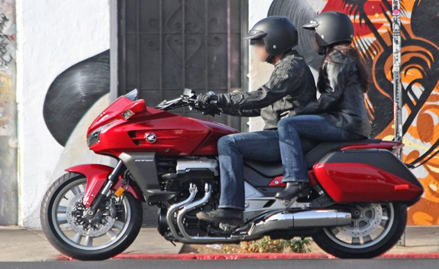 102913-2014-honda-ctx1300-spy-photo