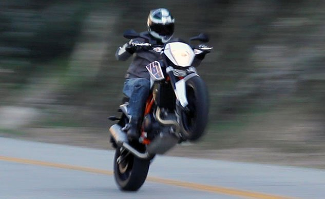 KTM 690 Duke Wheelie