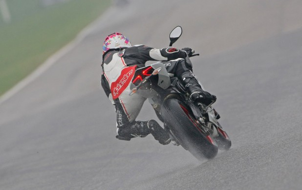 2014 Ducati 899 Panigale Action Rear
