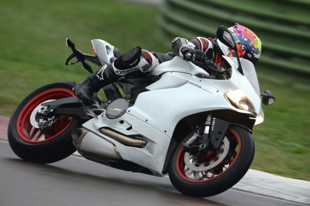 2014 Ducati 899 Panigale Action Right