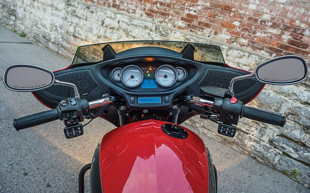 2014 Victory Ness Cross Country-Limited Edition Cockpit