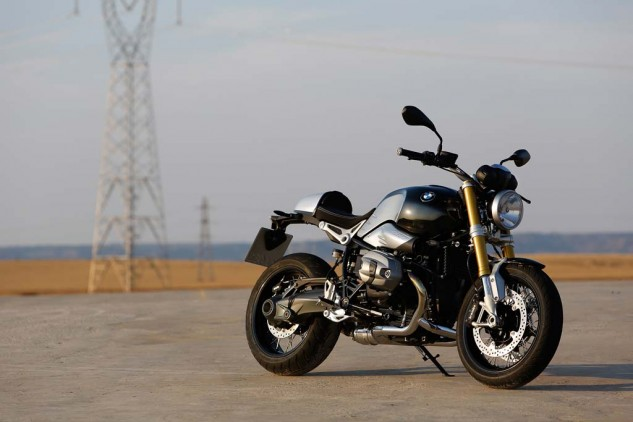 The interplay between the black, grey and natural metal colors make the nineT a standout in the style department.