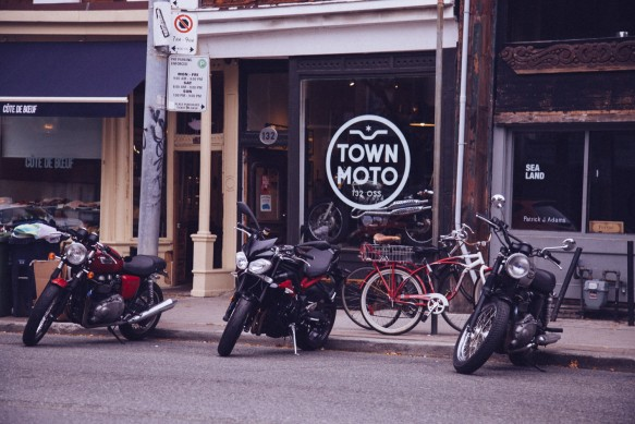 Motorcycling-in-Toronto-229A1154
