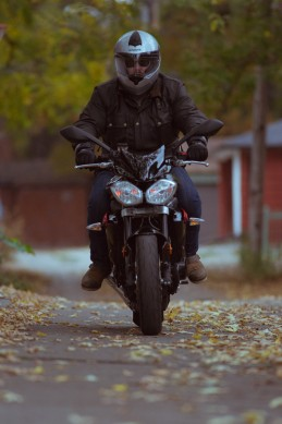 Motorcycling-in-Toronto-229A1229