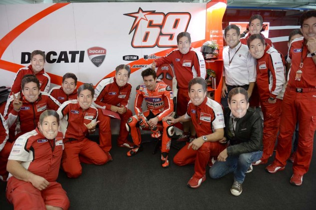 Nicky Hayden's crew gave him a big farewell in the Kentucky Kid's final race with the Ducati factory team.