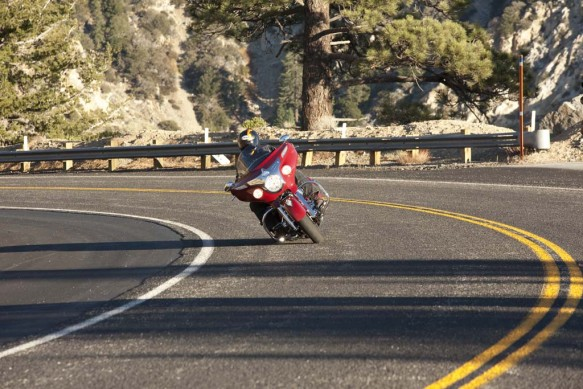 2014 Indian Chieftan Cornering