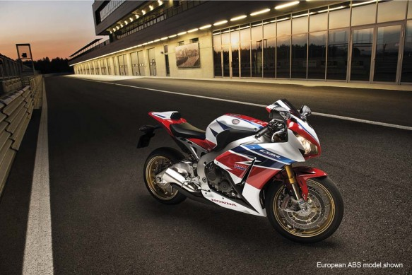 2014-honda-CBR1000RR-SP_Act01_EUROABS