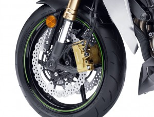 Braking power and modulation from the Z's new radial-mount monobloc calipers are exceptional.
