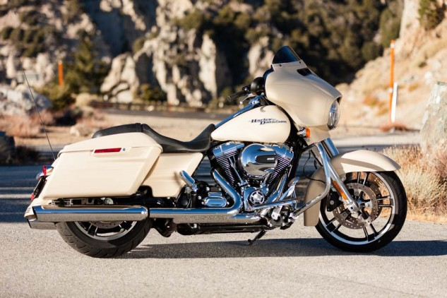 2014 Harley Davidson Street Glide Special Vs Indian