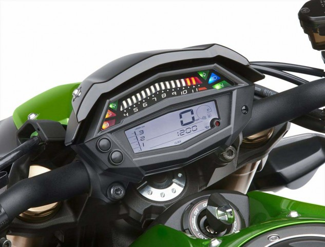 Unlike last year's Z, the 2014 issue lacks the up/down adjustable instrument cluster. Of note on the new gauge is the 1000-3500 rpm tach readout left of the MPH indicator while 3500 to redline resides as an illuminated display above.