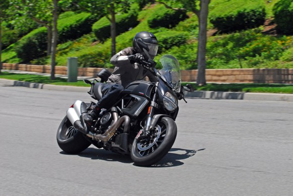 2013-Ducati-Diavel-Strada-Action-03