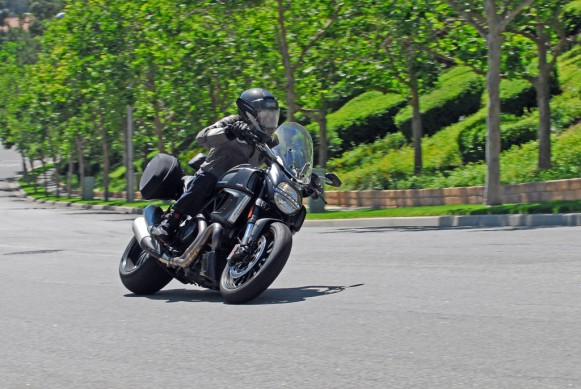 2013-Ducati-Diavel-Strada-Action-07
