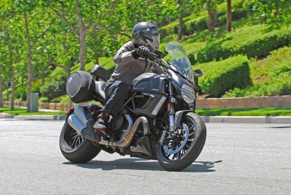 2013-Ducati-Diavel-Strada-Action-09