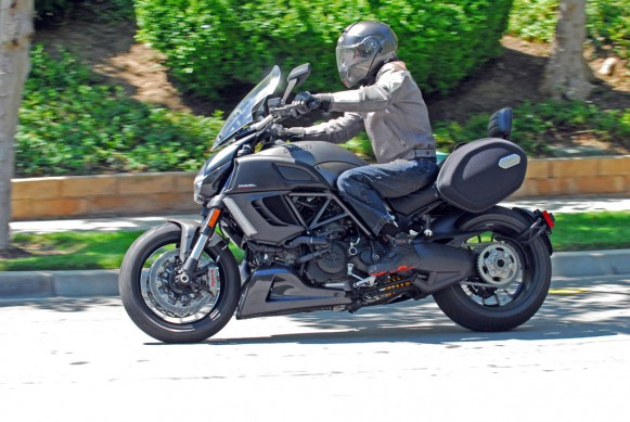2013-Ducati-Diavel-Strada-Action-11