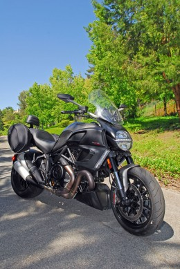 2013 Ducati Diavel Strada Front Right