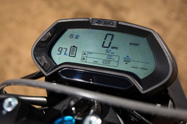 2014 Zero FX instrument display closeup