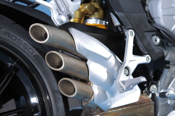 2014-MV-Agusta-Brutale-800-Dragster-Exhaust