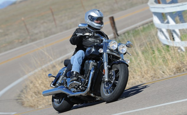 2014 Triumph Thunderbird Commander Action Cornering