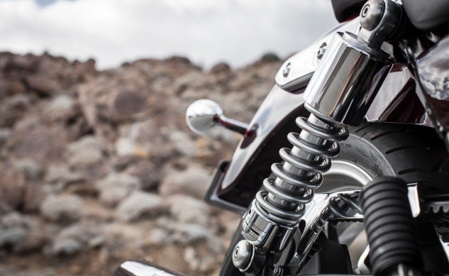 2014 Triumph Thunderbird Commander Shock