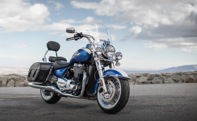 2014 Triumph Thunderbird LT Front Right