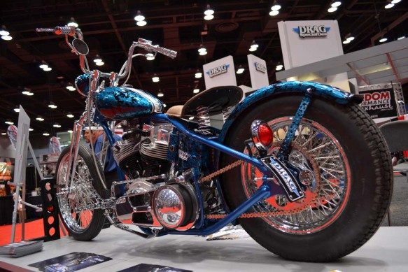 2014-v-twin-expo-Drag Specialties Bobber