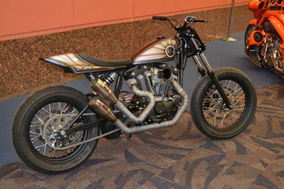 2014-v-twin-expo-Show Bike in Lobby