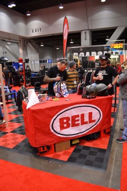 2014-v-twin-expo-Skratch Bell Helmet Pint-striping