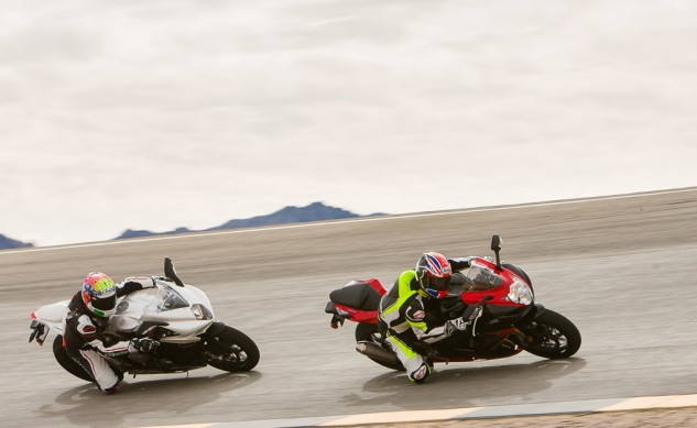 Suzuki GSX-R-750 and MV Agusta F3 800 Action